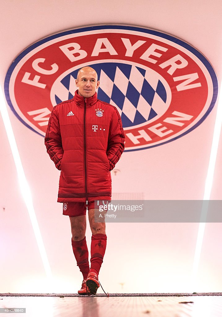 Arjen Robben of FC Bayern Munich walks up the tunnel after the Bundesliga match between FC Bayern Muenchen and 1. FC Koeln at Allianz Arena on October 24, 2015 in Munich, Germany.