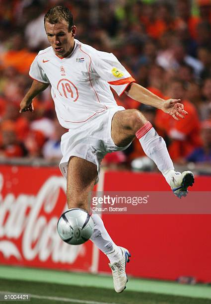 Arjen Robben of Holland controls the ball during the UEFA Euro 2004, Quarter Final match between Sweden and Holland at the Algarve Stadium on June...