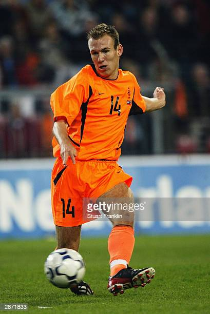 Arjen Robben of Holland lays the ball off during the European Championships 2004 qualifying match between Holland and Moldova on October 11 2003 at...
