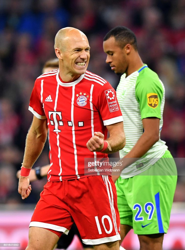 Arjen Robben #10 of Muenchen celebrates after he scores the 2nd goal during the Bundesliga match between FC Bayern Muenchen and VfL Wolfsburg at Allianz Arena on September 22, 2017 in Munich, Germany.