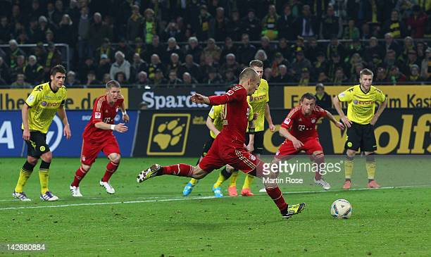 Arjen Robben of Muenchen fails to score during the Bundesliga match between Borussia Dortmund and FC Bayern Muenchen at Signal Iduna Park on April...