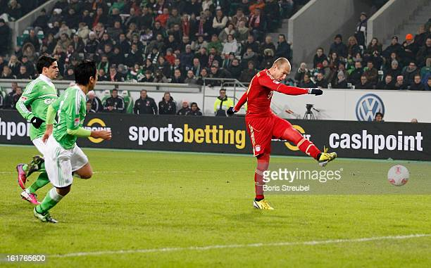 Arjen Robben of Muenchen scores his team's second goal during the Bundesliga match between VFL Wolfsburg and FC Bayern Muenchen at Volkswagen Arena...