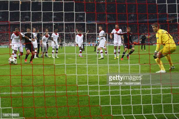Arjen Robben of Muenchen scores the 3rd team goal during the UEFA Champions League group F match between FC Bayern Muenchen and LOSC Lille at Allianz...