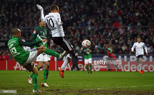 Arjen Robben of Muenchen scores the second goal during the Bundesliga match between SV Werder Bremen and FC Bayern Muenchen at Weser Stadium on...