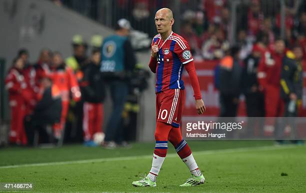 Arjen Robben of Muenchen walks off the pitch injured during the DFB Cup Semi Final match between FC Bayern Muenchen and Borussia Dortmund at Allianz...
