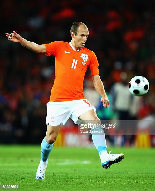 Arjen Robben of Netherlands in action during the UEFA EURO 2008 Group C match between Netherlands and France at Stade de Suisse Wankdorf on June 13,...