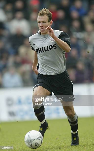 Arjen Robben of PSV in action during the Dutch First Division league match between FC Groningen and PSV Eindhoven at The Oosterpark Stadium on 25...