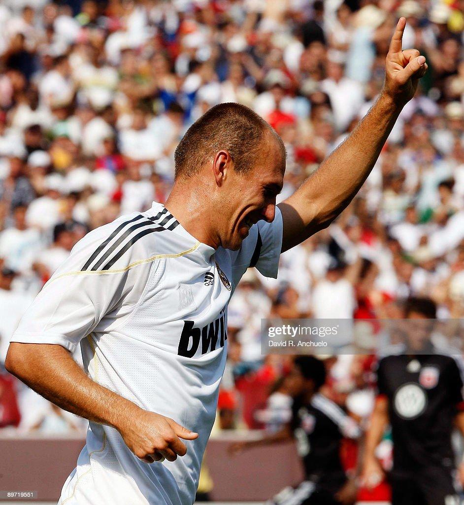 Real Madrid v D.C. United : News Photo