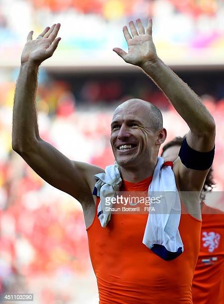 Arjen Robben of the Netherlands celebrates after the 20 win in the 2014 FIFA World Cup Brazil Group B match between Netherlands and Chile at Arena de...