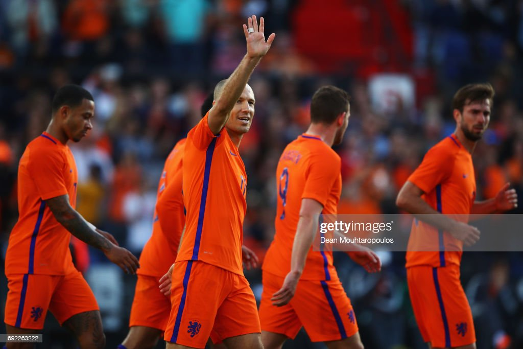 Arjen Robben of the Netherlands celebrates scoring his teams second goal of the game with team mates during the International Friendly match between the Netherlands and Ivory Coast held at De Kuip or Stadion Feijenoord on June 4, 2017 in Rotterdam, Netherlands.