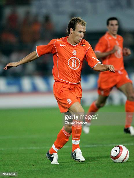 Arjen Robben of the Netherlands runs with the ball during the international friendly match between Netherlands and Germany at the De Kuip Stadium on...