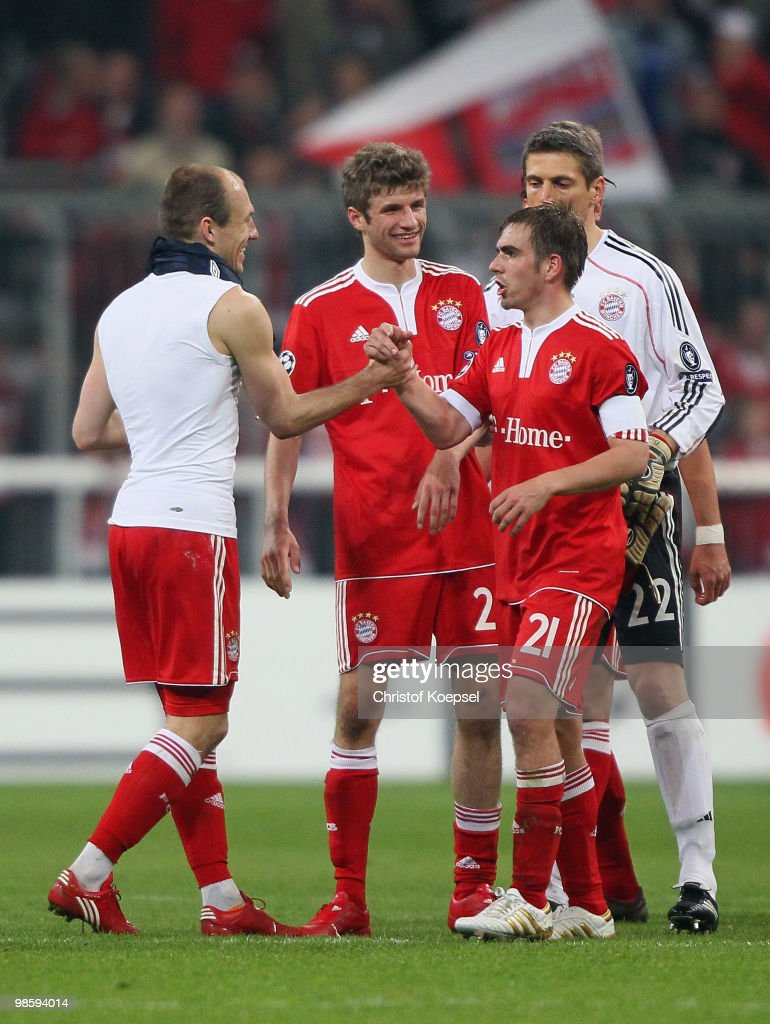 Arjen Robben, Thomas Mueller, Philipp Lahm and goalkeeper Joerg Butt celebrate of Bayern after winning the UEFA Champions League semi final first leg match between FC Bayern Muenchen and Olympic Lyon at Allianz Arena on April 21, 2010 in Munich, Germany.