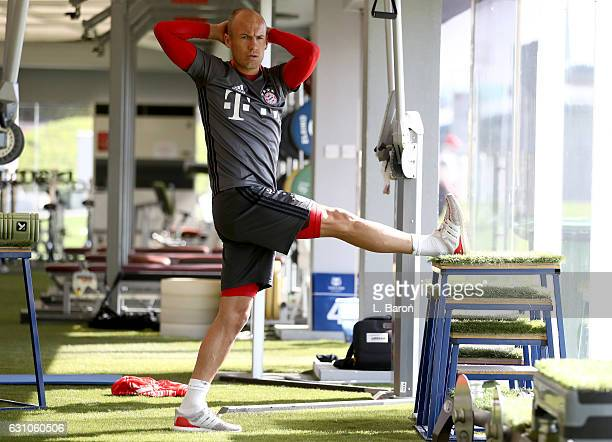 Arjen Robben warms up in the gym during a training session at day 4 of the Bayern Muenchen training camp at Aspire Academy on January 6 2017 in Doha...