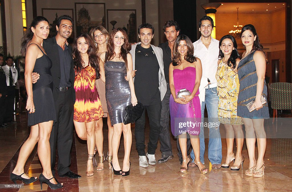 Arjun and Mehr Rampal Preity Zinta Suzanne Roshan and Hrithik Roshan at designer Shabina Khan`s birthday party in Mumbai on November 2 2010