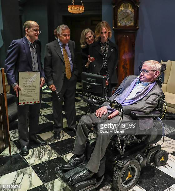 Arjun Waney Jerome Gauntlett Judy Waney Devika Mokhtarzadeh and Stephen Hawking attend a dinner at The Arts Club in honour of the Club presenting...