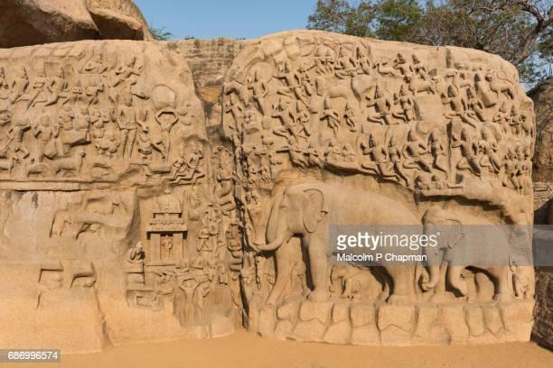 "arjuna's penance, bas-relief carving, mamallapuram (mahabalipuram), tamil nadu, india - india ""malcolm p chapman"" or ""malcolm chapman"" stock-fotos und bilder"