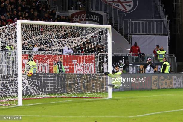 Arkadiusz Milik of Napoli scores his goal 01 during the Serie A match between Cagliari and SSC Napoli at Sardegna Arena on December 16 2018 in...