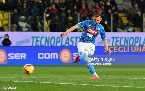 Arkadiusz Milik of SSC Napoli scores his team's second goal during the Serie A match between Parma Calcio and SSC Napoli at Stadio Ennio Tardini on...