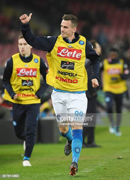 Arkadiusz Milik warms up during the serie A match between SSC Napoli and AS Roma Serie A at Stadio San Paolo on March 3 2018 in Naples Italy