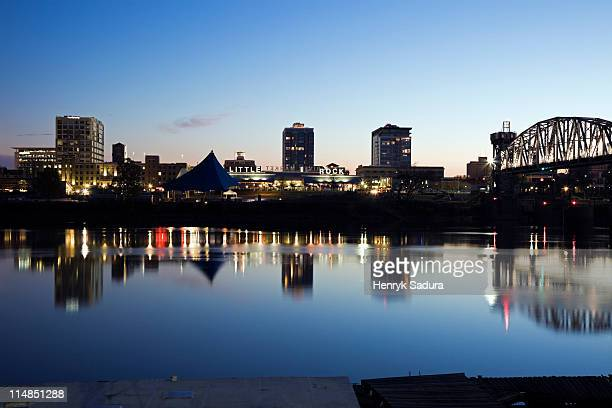 usa, arkansas, little rock, downtown skyline illuminated at night - arkansas stock photos and pictures