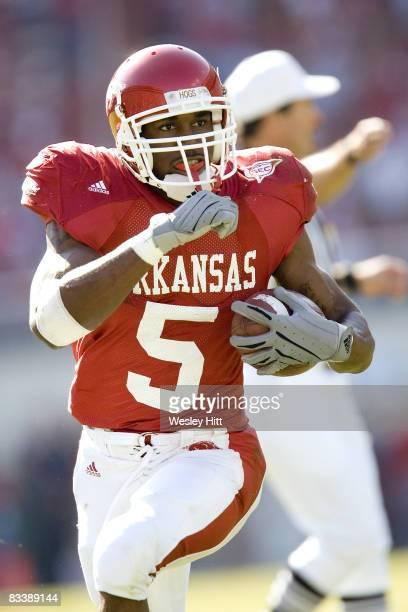 Arkansas Razorback running back Darren McFadden runs with the ball versus South Carolina at Donald W. Reynolds Stadium, Fayetteville, Arkansas, Nov....