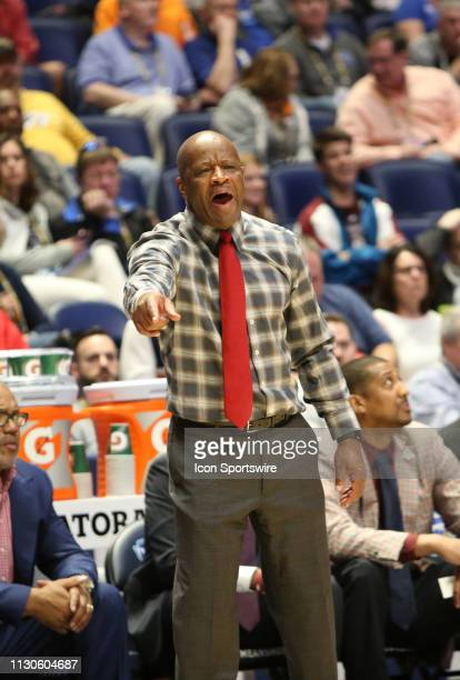 Arkansas Razorbacks head coach Mike Anderson during a Southeastern Conference Tournament game between the Arkansas Razorbacks and Florida Gators,...