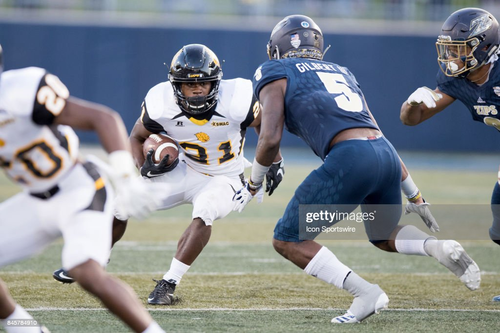 COLLEGE FOOTBALL: SEP 09 Arkansas-Pine Bluff at Akron : News Photo