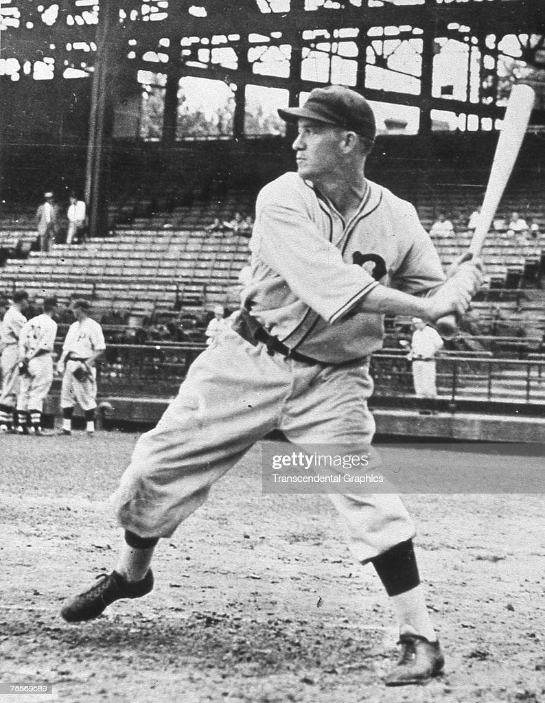 Arky Vaughn Batting Practice Pittsburgh : News Photo