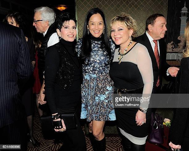 Arlene Lazare, Cassandra Seidenfeld and Wendy Federman attend Randi Schatz & AVENUE Toasts Michael Gross, AVENUE's New Editor in Chief at Doubles...