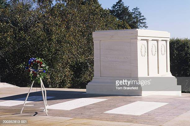 arlington national cemetery, tomb of the unknown soldier, washington, dc, usa - tomb of the unknown soldier arlington stock pictures, royalty-free photos & images