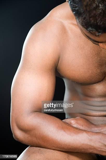 braço no resto em bodybuilder - índia - fotografias e filmes do acervo