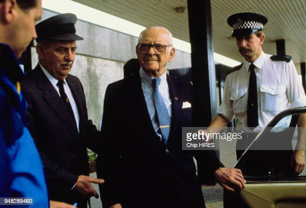 Armand Hammer Président de la compagnie Occidental Petroleum après l'explosion de la plateforme Piper Alpha en mer du Nord britannique le 8 juillet...