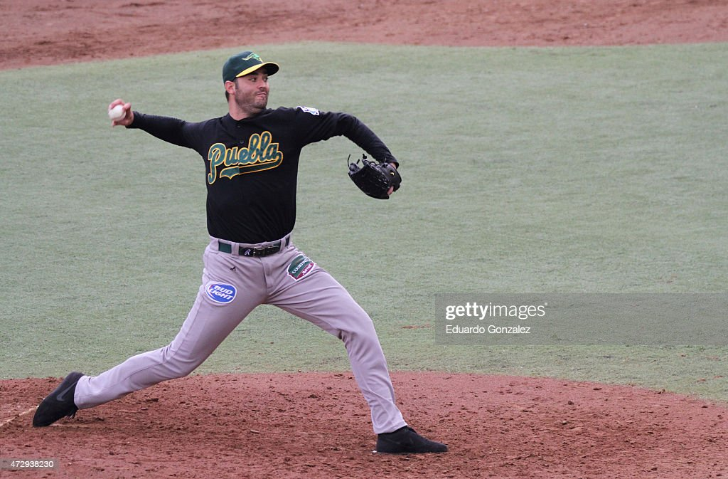 Armando Galarraga of Pericos delivers a pitch during a match between Pericos de Puebla and Guerreros de Oaxaca as part of Mexican Baseball League 2015 at Eduardo Vasconcelos Stadium on May 10, 2015 in Oaxaca, Mexico.