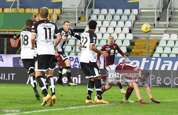 Armando Izzo of Torino scores their sides second goal during the Serie A match between Parma Calcio and Torino FC at Stadio Ennio Tardini on January...