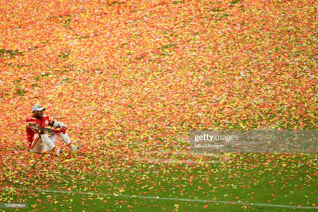 Super Bowl LIV - San Francisco 49ers v Kansas City Chiefs : News Photo