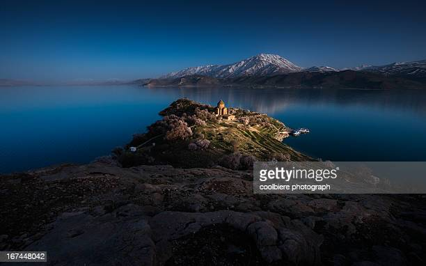 armanian church on akdamar island - van turkey stock pictures, royalty-free photos & images