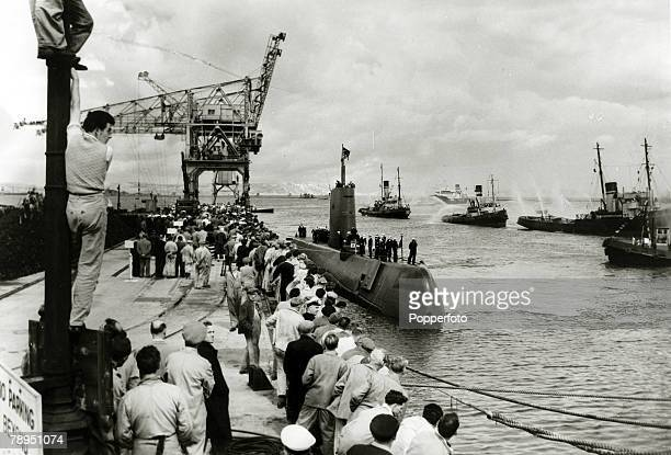 16th August 1958 The scene at Portland Dorset as the USsubmarine 'Nautilus' arrives having passed under the Arctic ice cap and North Pole on it's...
