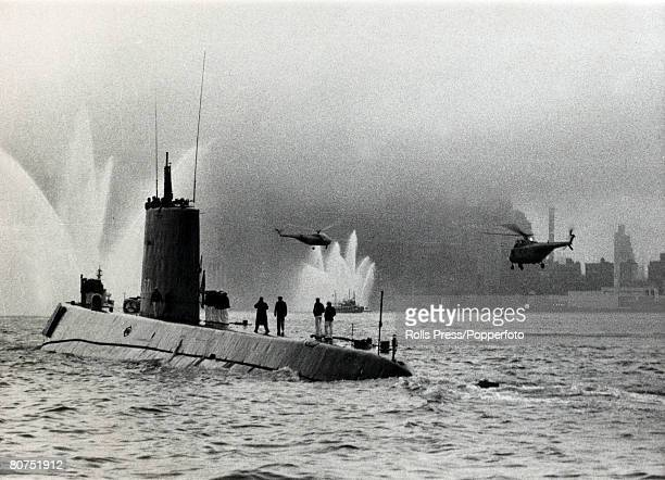 25th August 1958 The scene as the USsubmarine Nautilus is greeted by fireboats as the ship enters New York harbour The USS Nautilus was the world's...