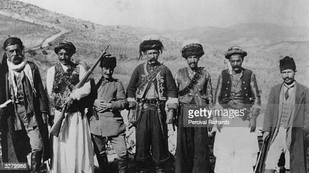 Armed Kurdistan men