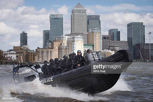 Armed Metropolitan Police counter terrorism officers take part in an exercise on the River Thames on August 3 2016 in London United Kingdom Scotland...