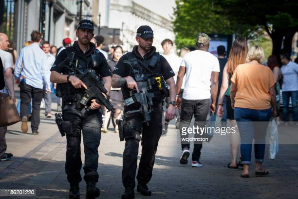 armed police in manchester - greater manchester stock pictures, royalty-free photos & images