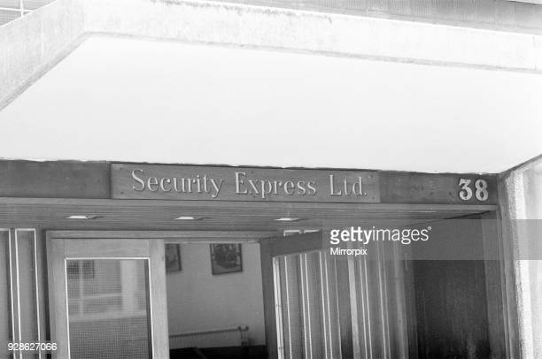 Armed Robbery committed at Daily Mirror Headquarters in Holborn London 31st May 1978 Two robbers attacked Security Express Van stealing nearly...