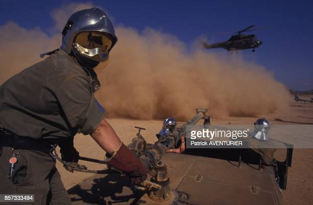 L'armee francaise a Hodur pour l'operation militaire Restore Hope ici les pompiers du 4e DAM en janvier 1993 en Somalie