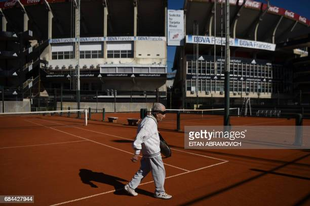 Armenianborn Argentine 100yearold Artyn Elmayan leaves after a tennis session at the River Plate Club in Buenos Aires on May 16 2017 Elmayan survived...