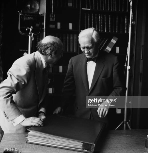 ArmenianCanadian photographer Yousuf Karsh with Scottish microbiologist and pharmacologist Alexander Fleming in the UK during a portrait shoot 1954