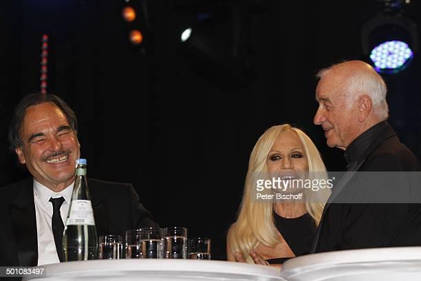 Armin MuellerStahl Donatella Versace Oliver Stone CharityVeranstaltung 18 UnescoBenefizGala 2010 für Kinder in Not Hotel Maritim Düsseldorf...