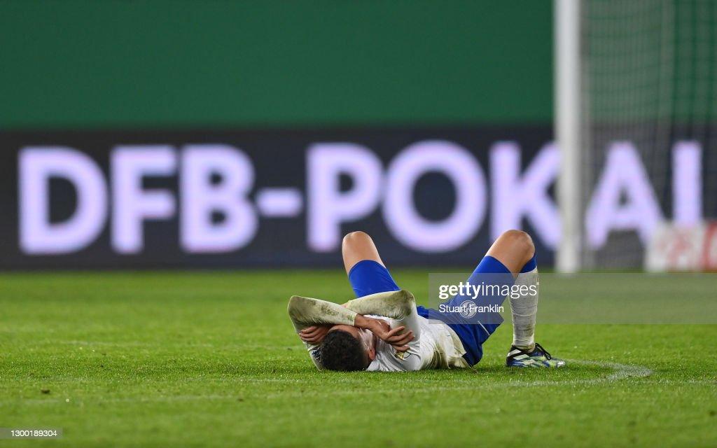 VfL Wolfsburg v FC Schalke 04 - DFB Cup: Round Of Sixteen : News Photo
