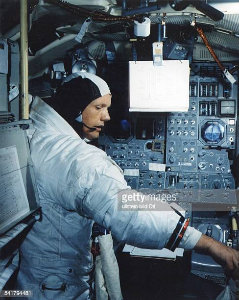 Armstrong Neil Alden *Astronaut aerospace engineer naval aviator test pilot and university professor USA Apollo 11 Mission Armstrong training in the...