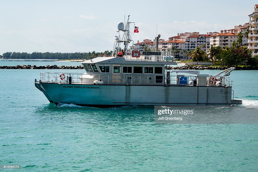 US Army Corps of Engineers boat. : ニュース写真