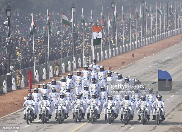 Army dare devil on Motorcycle during a full dress rehearsal of the Republic Day Parade on January 23 2016 in New Delhi India Annual parade is held at...